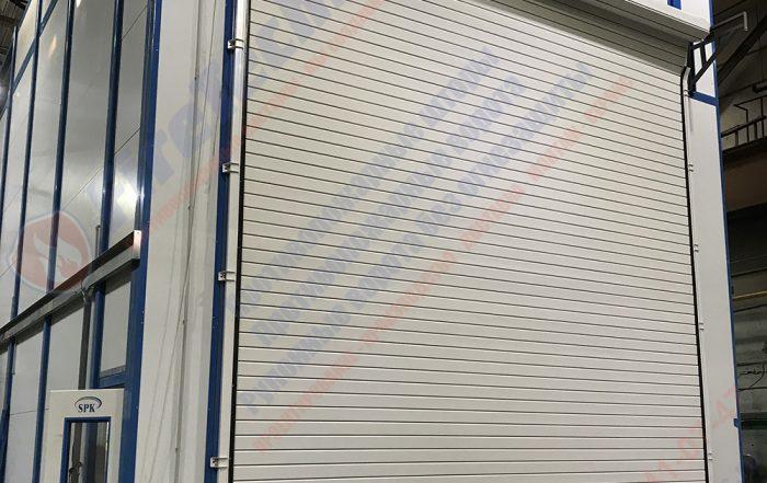 Рулонные промышленные ворота из алюминиевого профиля марки AL120, двустенный утепленный профиль толщиной 23мм, с заполнением пенополиуретаном