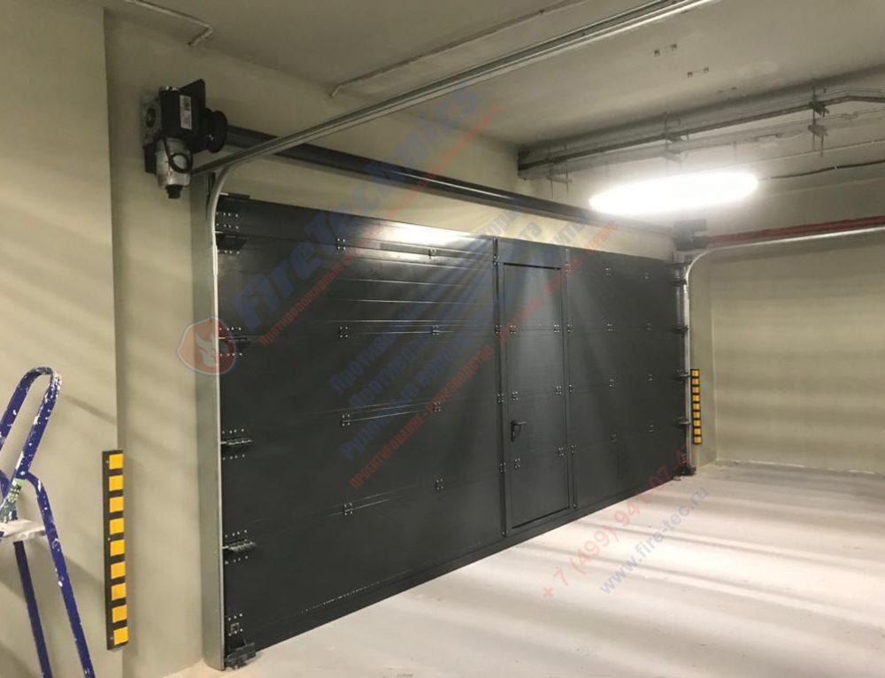 Ворота FireTechnics типа FT-S в помещении производственного назначения